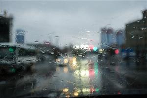 下雨啦!你该知道的雨天行车注意事项!